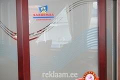 Saaremaa LT aknareklaam ja peegellogo laeval Muhumaa ja Saaremaa
