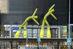 Stockmanni hullude päevade tuuletantsijad