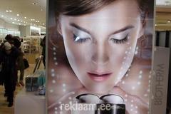 Led valgusega kosmeetika lett