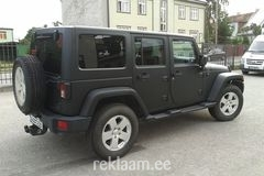 Läikiv must Jeep Wrangler ---> matt must Jeep Wrangler