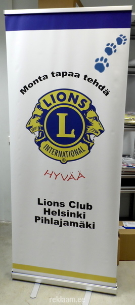 Lions roll up